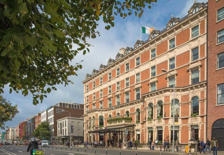 A Renaissance Hotel - популярная гостиница в Дублине