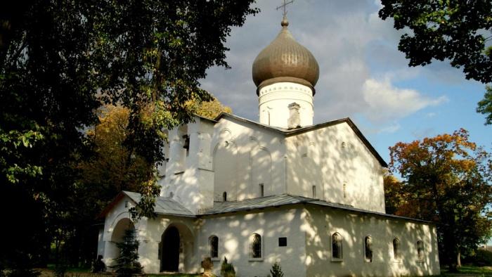 Храм в Гдове